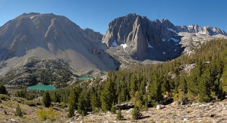Peaks in the Sierra Nevada mountain range (Wikimedia Commons/Miguel.v)
